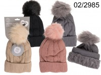 Comfort cap with artifical fur pompom, Cable ...