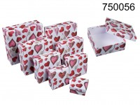 White gift box with red/white hearts, ca. 22.5 x ...
