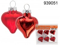 Christmas ornaments, red heart, matt and shinning ...